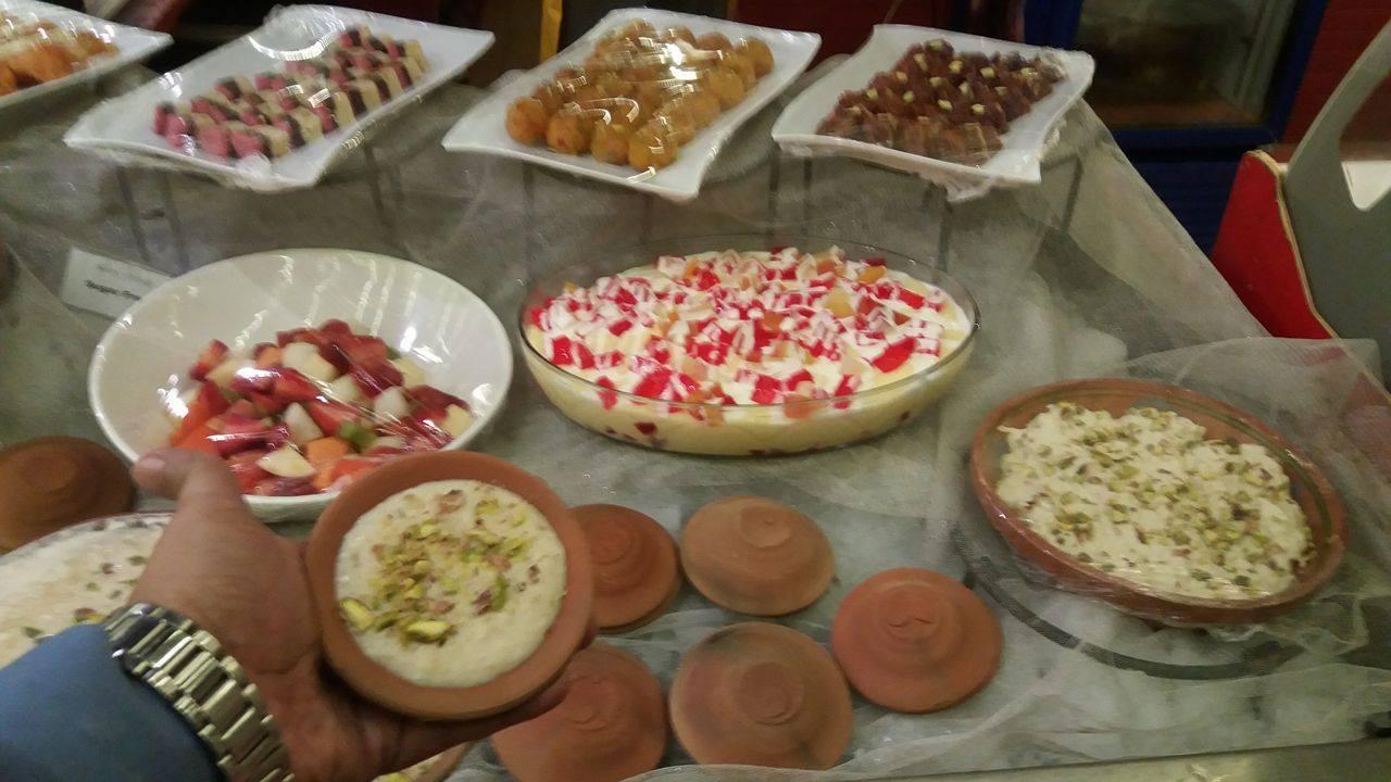 Burns Road Night At AvariTowersKhi Desserts 1