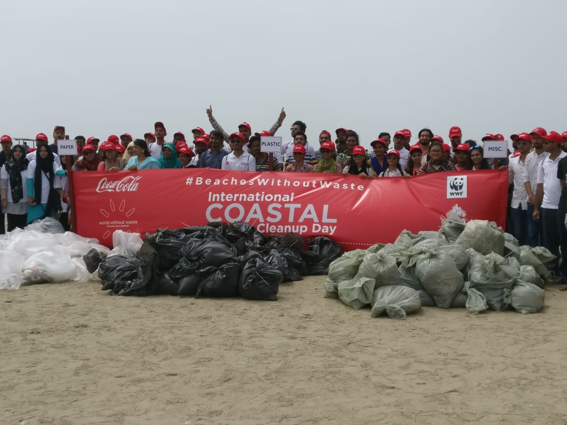 Coke coastal clean up beaches without waste 23
